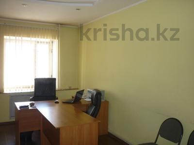 Здание, площадью 1274.3 м², Сулейменова 5У за 121.6 млн 〒 в Кокшетау — фото 8
