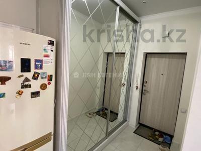 2-комнатная квартира, 64.4 м², 2/13 этаж, Керей жанибек хандар 28 — Мангилик ел за 27.3 млн 〒 в Нур-Султане (Астана), Есиль р-н — фото 6