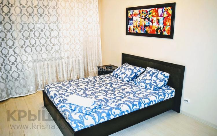 2-комнатная квартира, 55 м², 6 этаж посуточно, Бухар жырау 30/1 за 13 000 〒 в Нур-Султане (Астана), Есиль р-н