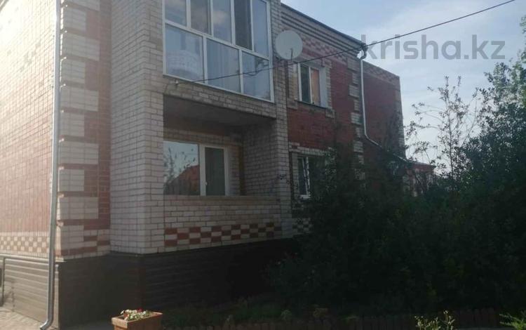 5-комнатный дом, 266 м², 14 сот., Кленовая 12 за 37 млн 〒 в Петропавловске