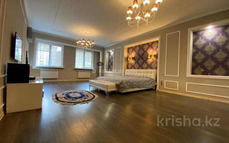 3-комнатная квартира, 250 м², 2/6 этаж помесячно, Есенберлина 155 за 500 000 〒 в Алматы, Медеуский р-н