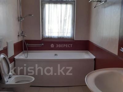 5-комнатный дом помесячно, 380 м², Мирас 160 за 1 млн 〒 в Алматы, Бостандыкский р-н — фото 9