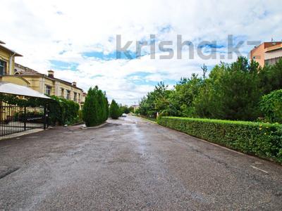 5-комнатный дом помесячно, 380 м², Мирас 160 за 1 млн 〒 в Алматы, Бостандыкский р-н — фото 2