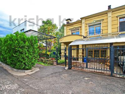 5-комнатный дом помесячно, 380 м², Мирас 160 за 1 млн 〒 в Алматы, Бостандыкский р-н