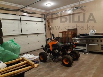 5-комнатный дом помесячно, 380 м², Мирас 160 за 1 млн 〒 в Алматы, Бостандыкский р-н — фото 13