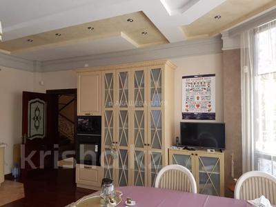 8-комнатный дом помесячно, 450 м², 12 сот., мкр Мирас, Аскарова Асанбая 62 за 1.2 млн 〒 в Алматы, Бостандыкский р-н — фото 14
