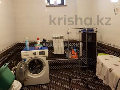 8-комнатный дом помесячно, 450 м², 12 сот., мкр Мирас, Аскарова Асанбая 62 за 1.2 млн 〒 в Алматы, Бостандыкский р-н — фото 44
