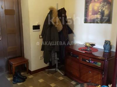 8-комнатный дом помесячно, 450 м², 12 сот., мкр Мирас, Аскарова Асанбая 62 за 1.2 млн 〒 в Алматы, Бостандыкский р-н — фото 29