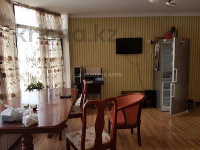 8-комнатный дом помесячно, 450 м², 12 сот., мкр Мирас, Аскарова Асанбая 62 за 1.2 млн 〒 в Алматы, Бостандыкский р-н — фото 41