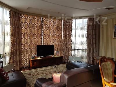 8-комнатный дом помесячно, 450 м², 12 сот., мкр Мирас, Аскарова Асанбая 62 за 1.2 млн 〒 в Алматы, Бостандыкский р-н — фото 5