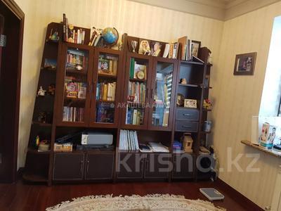 8-комнатный дом помесячно, 450 м², 12 сот., мкр Мирас, Аскарова Асанбая 62 за 1.2 млн 〒 в Алматы, Бостандыкский р-н — фото 7
