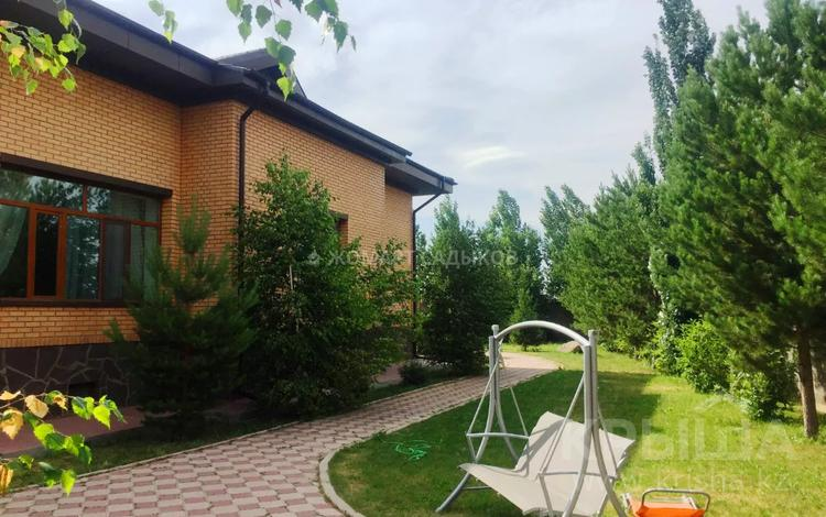 6-комнатный дом, 647 м², 20 сот., Тельман за 270 млн 〒 в Нур-Султане (Астана)