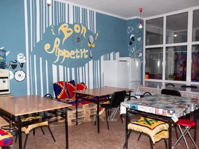 6 комнат, 200 м², мкр Коктем-2 дом 1 — Тимирязева за 929 〒 в Алматы, Бостандыкский р-н — фото 8