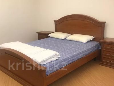 4-комнатный дом помесячно, 250 м², 4 сот., Достык 467 за 850 000 〒 в Алматы — фото 2