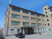 Здание, площадью 3242 м²