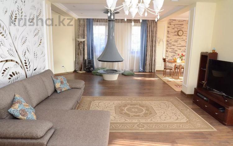 10-комнатный дом, 520 м², 10 сот., мкр Юбилейный, Мкр Юбилейный за ~ 250.3 млн 〒 в Алматы, Медеуский р-н