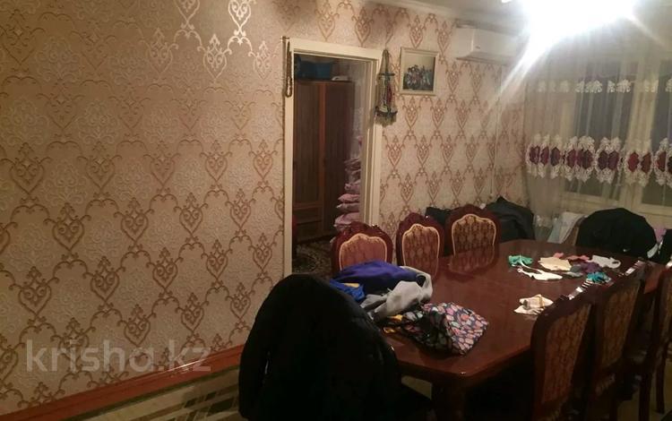 4-комнатная квартира, 75 м², 4/5 этаж, 8-й микрорайон за 19 млн 〒 в Шымкенте, Аль-Фарабийский р-н