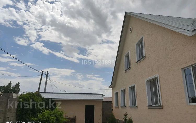 7-комнатный дом, 240 м², 10 сот., 3й переулок Султанбаева 3 за 46 млн 〒 в Таразе