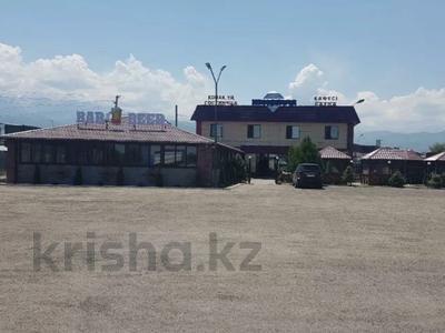Действующую гостиницу и кафе за 170 млн 〒 в Каскелене