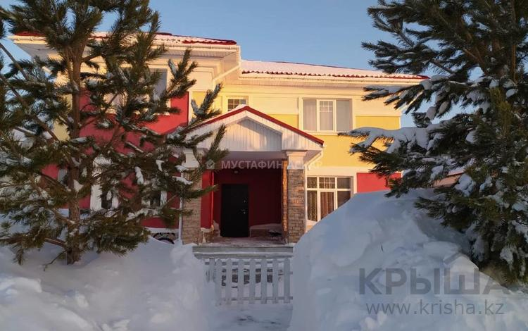6-комнатный дом, 330 м², 10 сот., КП Би-Виладж за 175 млн 〒 в Нур-Султане (Астана), Есиль р-н