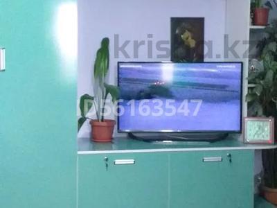 1-комнатная квартира, 25 м², 5/5 этаж посуточно, проспект Республики 26 за 5 000 〒 в Шымкенте — фото 2