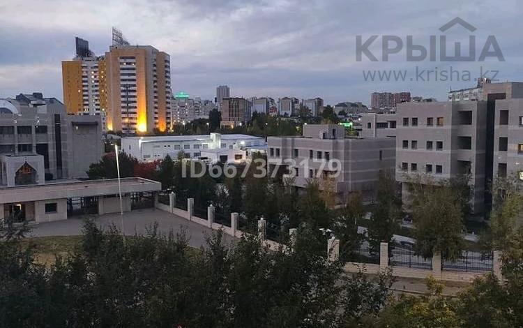 2-комнатная квартира, 52.3 м², 5/5 этаж, Жумабека Ташенова 10 за 17.8 млн 〒 в Нур-Султане (Астане), р-н Байконур