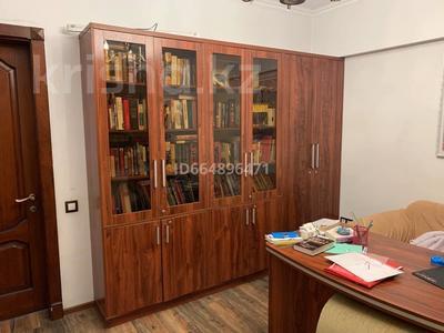 6-комнатная квартира, 265 м², 5/6 этаж, Гоголя 166 — Муканова за 120 млн 〒 в Алматы, Алмалинский р-н