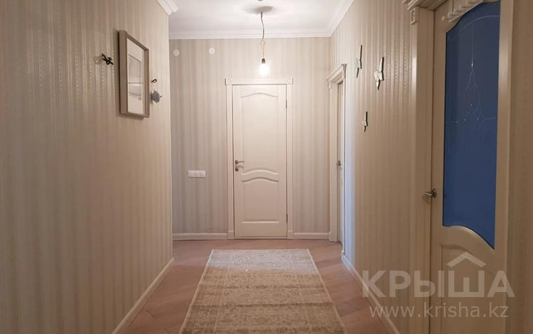 3-комнатная квартира, 97 м², 2/7 этаж, Тауелсиздик — Ахматовой за 38 млн 〒 в Нур-Султане (Астана), Алматы р-н