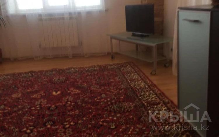 2-комнатная квартира, 65 м², 6/9 этаж, Отырар за ~ 24 млн 〒 в Нур-Султане (Астана), р-н Байконур