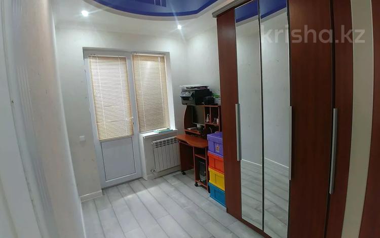 2-комнатная квартира, 75 м², 9/12 этаж, 33 мкр за 15 млн 〒 в Актау