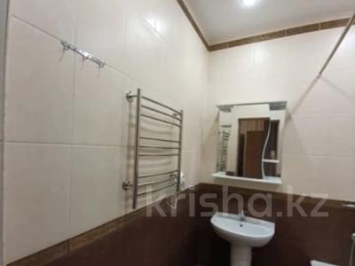 2-комнатная квартира, 55 м², 4/18 этаж помесячно, Бараева 13 за 140 000 〒 в Нур-Султане (Астана) — фото 6