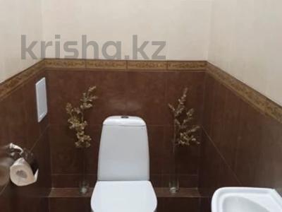 2-комнатная квартира, 55 м², 4/18 этаж помесячно, Бараева 13 за 140 000 〒 в Нур-Султане (Астана) — фото 9