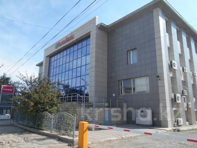 Здание, площадью 3875 м², Азаттык 70А — Атамбаева за 870 млн 〒 в Атырау — фото 2