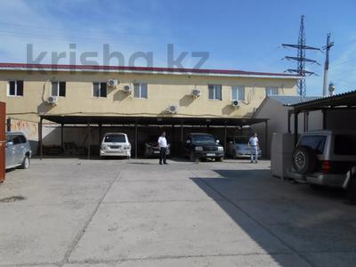 Здание, площадью 3875 м², Азаттык 70А — Атамбаева за 870 млн 〒 в Атырау — фото 5