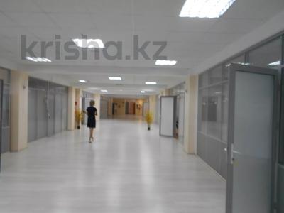 Здание, площадью 3875 м², Азаттык 70А — Атамбаева за 870 млн 〒 в Атырау — фото 8
