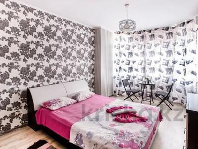 1-комнатная квартира, 50 м², 14 этаж посуточно, Сарайшык 7 — Акмешит за 10 000 〒 в Нур-Султане (Астана), Есиль р-н