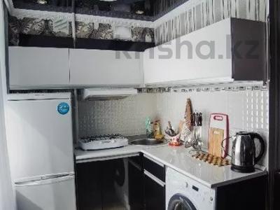 1-комнатная квартира, 50 м², 14 этаж посуточно, Сарайшык 7 — Акмешит за 10 000 〒 в Нур-Султане (Астана), Есиль р-н — фото 2