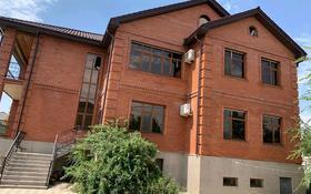 9-комнатный дом, 680 м², 14 сот., Центральный микрорайон за 295 млн 〒 в Атырау