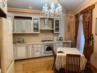 5-комнатный дом помесячно, 320 м², Тимирязева 42/4 за 600 000 〒 в Алматы, Бостандыкский р-н