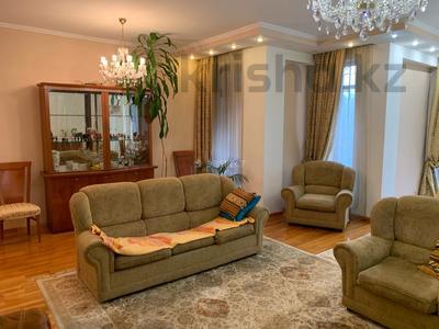 5-комнатный дом помесячно, 320 м², Тимирязева 42/4 за 600 000 〒 в Алматы, Бостандыкский р-н — фото 8