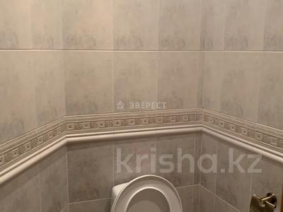 5-комнатный дом помесячно, 320 м², Тимирязева 42/4 за 600 000 〒 в Алматы, Бостандыкский р-н — фото 24