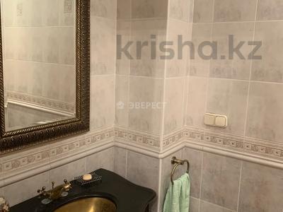 5-комнатный дом помесячно, 320 м², Тимирязева 42/4 за 600 000 〒 в Алматы, Бостандыкский р-н — фото 26