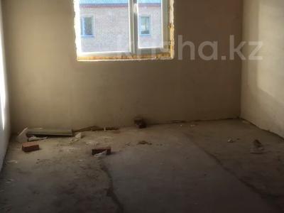 6-комнатный дом, 280 м², 10 сот., Макатаева за 20 млн 〒 в Жибек Жолы
