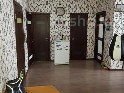 3-комнатная квартира, 75 м², 1/9 этаж, Сыганак 21 — Акмешит за 31 млн 〒 в Нур-Султане (Астана), Есильский р-н — фото 2