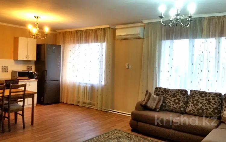 2-комнатная квартира, 80 м², 7/9 этаж посуточно, Крылова 70 — Ауэзова за 12 000 〒 в Усть-Каменогорске