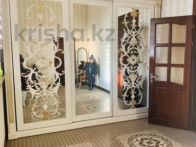 8-комнатный дом, 450 м², 20 сот., Акжайык 00 за 120 млн 〒 в Шымкенте — фото 2