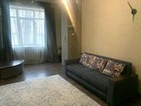 2-комнатная квартира, 55 м², 3/5 этаж посуточно, Абылайхана 59 — Жибек Жолы за 13 000 〒 в Алматы, Алмалинский р-н