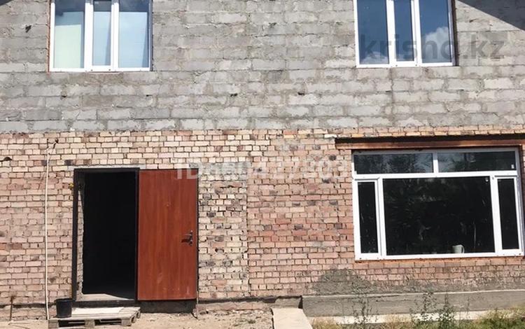6-комнатный дом, 240 м², 9 сот., Барбарисовая 6 за 18 млн 〒 в Павлодаре