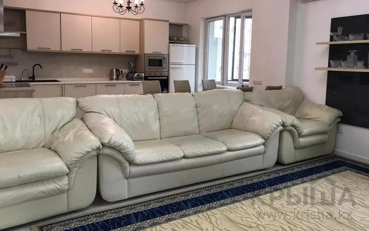 4-комнатная квартира, 146 м² помесячно, мкр Самал-2, Мендикулова за 700 000 〒 в Алматы, Медеуский р-н