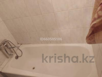 2-комнатная квартира, 60 м², 3/5 этаж помесячно, Момышулы — Республики за 85 000 〒 в Шымкенте, Абайский р-н — фото 5